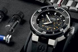 Oris ProDiver Moon Pointer